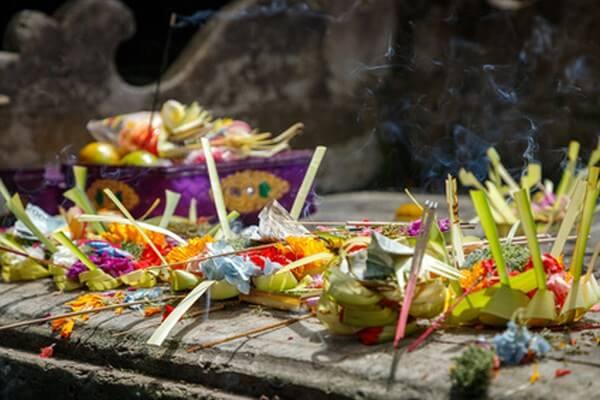 Balinesische Opfergabe, Kultur auf Bali
